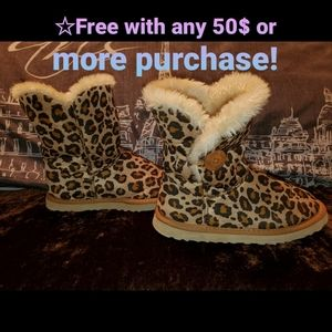 Leopard print boots/slippers